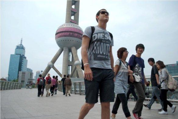Shanghai '10 by Giulio Tonincelli